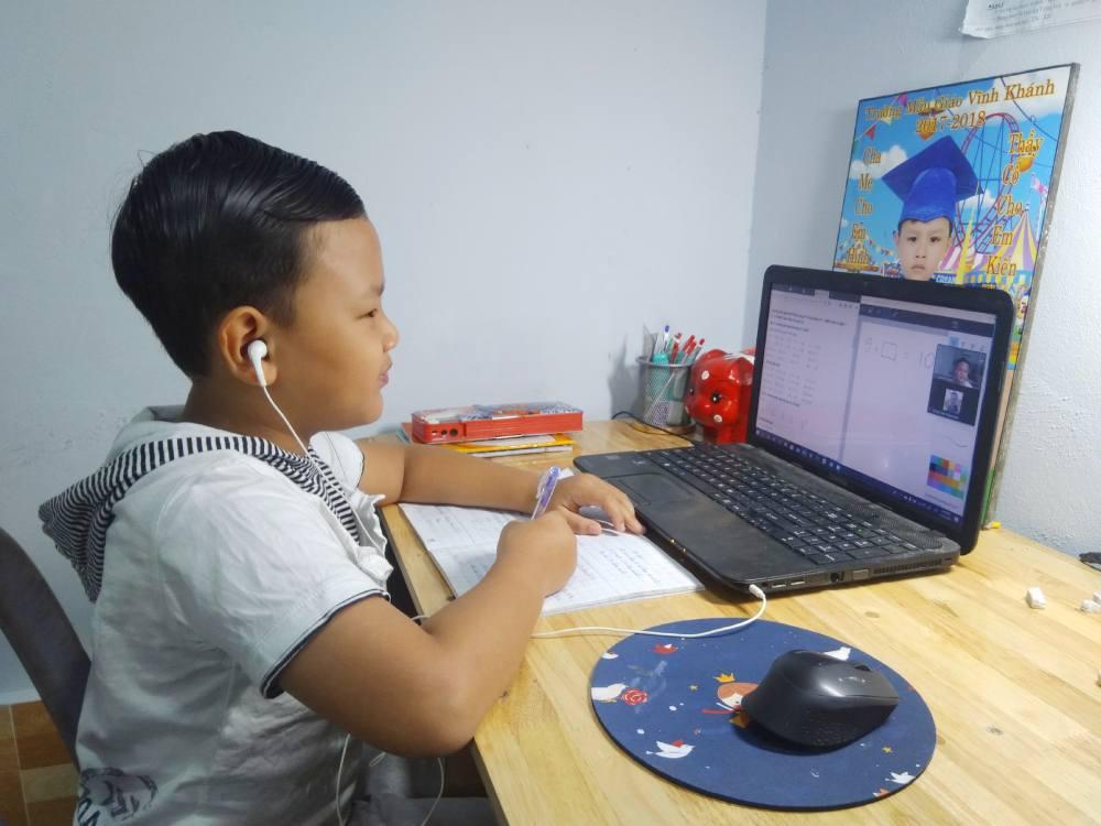Tìm gia sư dạy kèm trực tuyến môn toán lớp 2