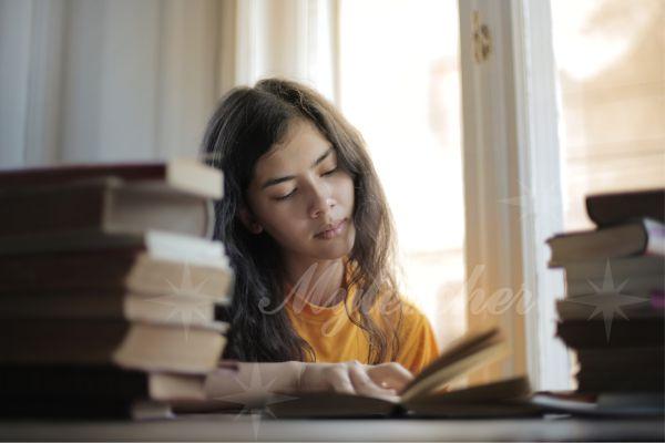 Gia sư sẽ giúp học sinh giải quyết các vấn đề tốt hơn trong bài học