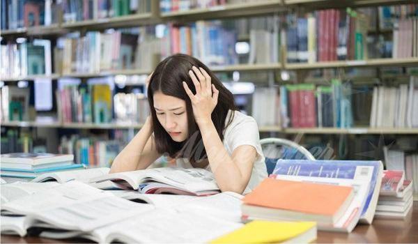 Nhiều học sinh tỏ ra sợ hãi với môn hóa học
